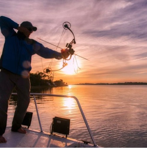 3-4Hr Bow Fishing - Nighttime Adventure   Captain Experiences