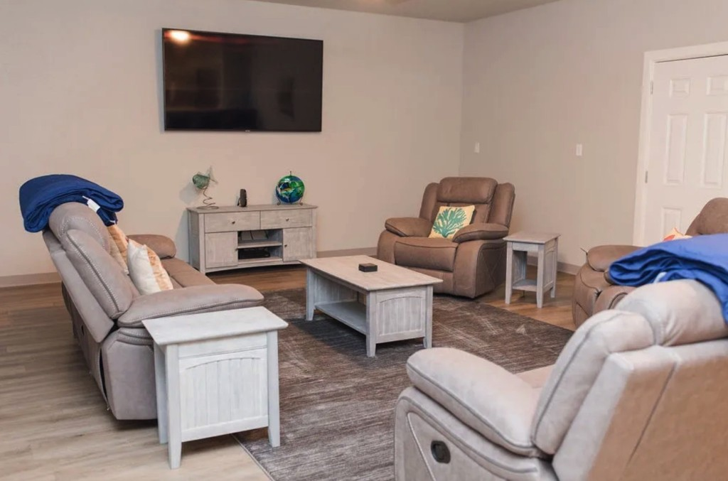 Downtown Matagorda Bayside Lodge (Private) | Captain Experiences