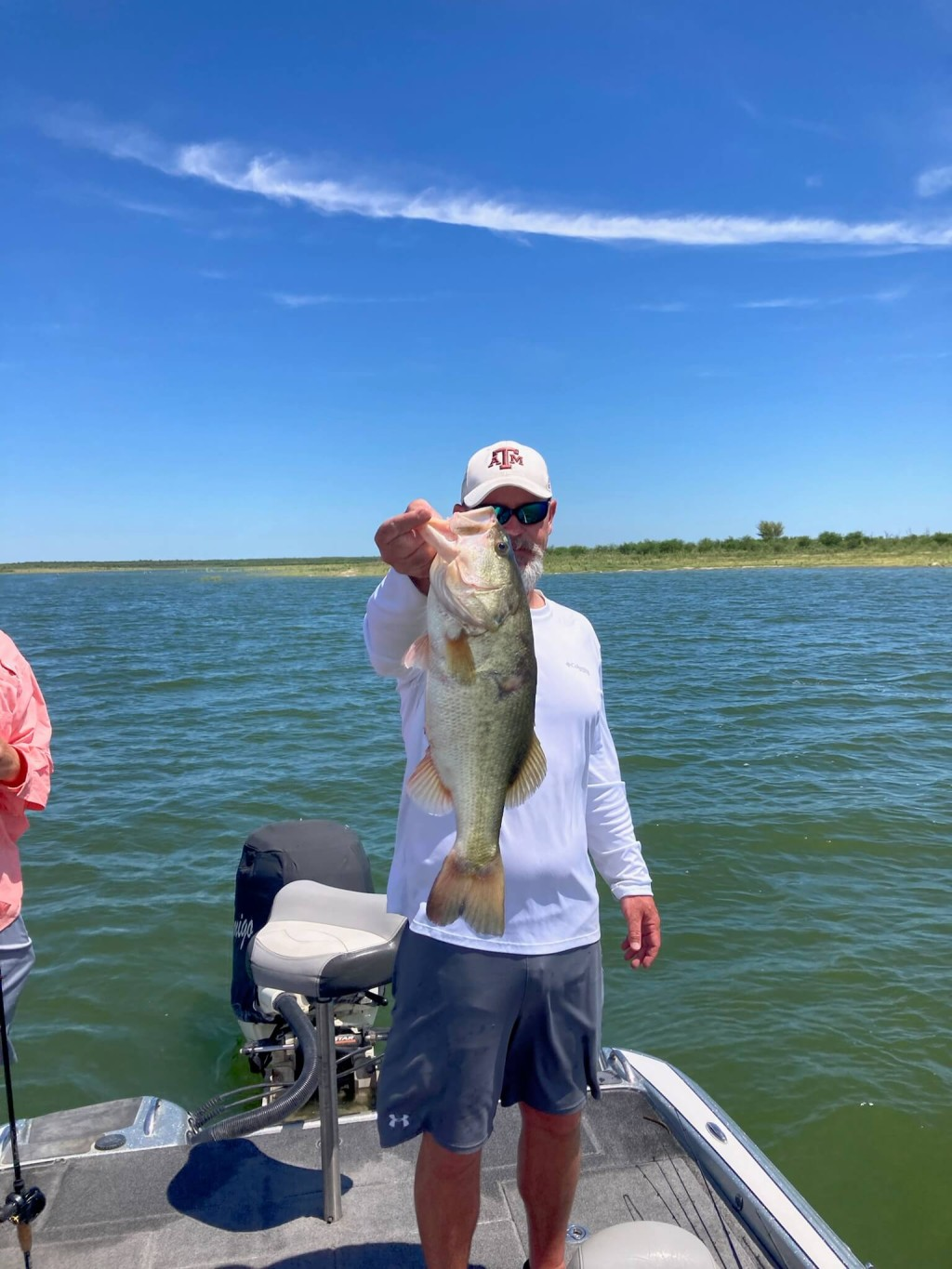 Pontoon Full Day - Group Fishing or Pleasure   Captain Experiences