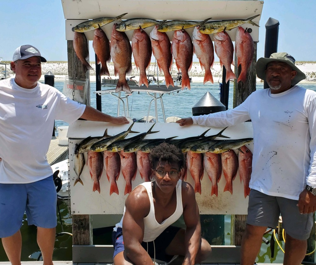 Experience Destin fishing to the full - 25' Cape Horn center console   Captain Experiences